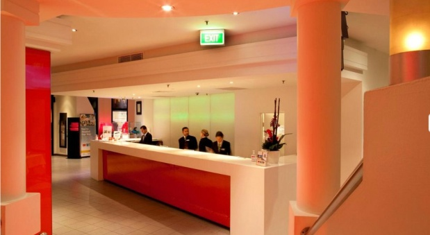 Front Desk of Cambridge Hotel
